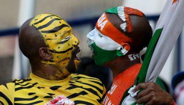 Bangladesh-India fans