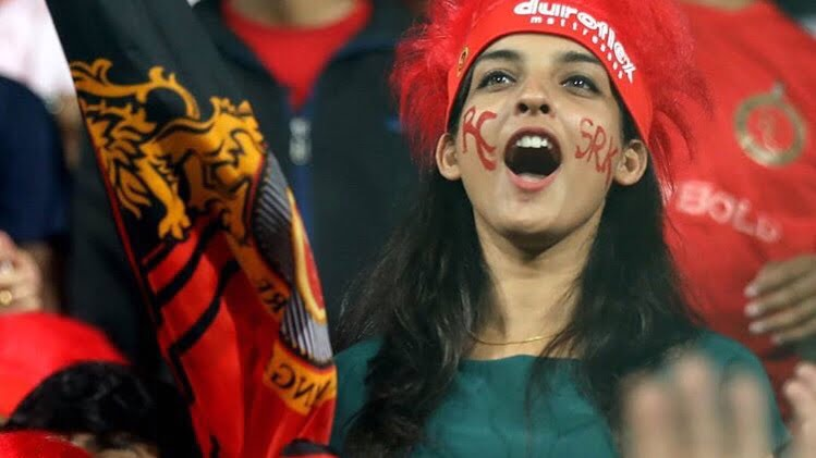 Ipl 2018 A Mysterious Fangirl Support Rcb And Srk