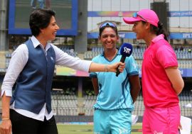 Anjum Chopra with Harmanpreet Kaur and Smriti Mandhana